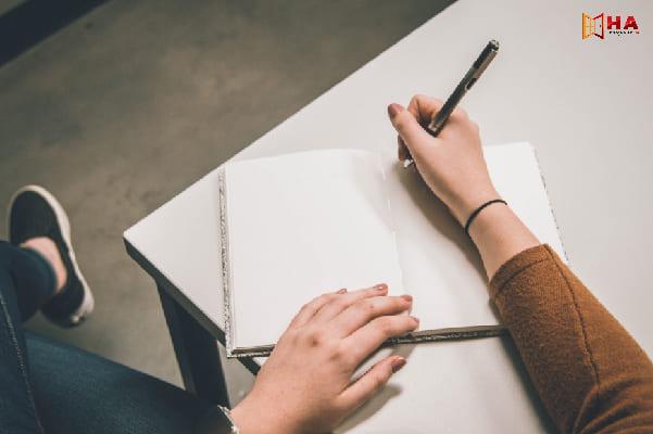 Tổng hợp từ, cụm từ cần tránh sử dụng trong IELTS Writing